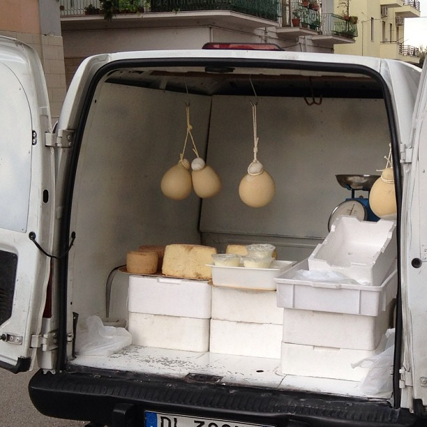 Before food trucks, there were food trucks in #Italy. #cheese #caciocavallo January 09, 2013 at 0357PM