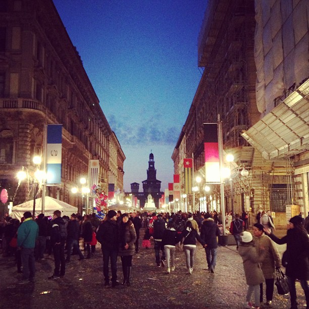 #Milan at dusk and Carnevale via Dante and Castello Sforzesco #italy February 16, 2013 at 1015PM