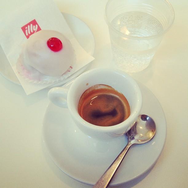 Last #espresso and sospiro pastry with acqua frizzante #puglia #italy #coffee March 10, 2013 at 0702AM