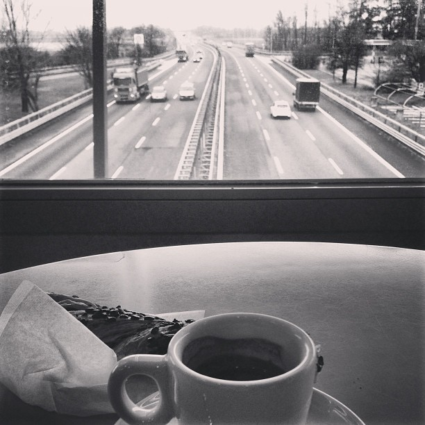 Morning #espresso in the middle of traffic. #autogrill #italy #coffee March 29, 2013 at 1102AM