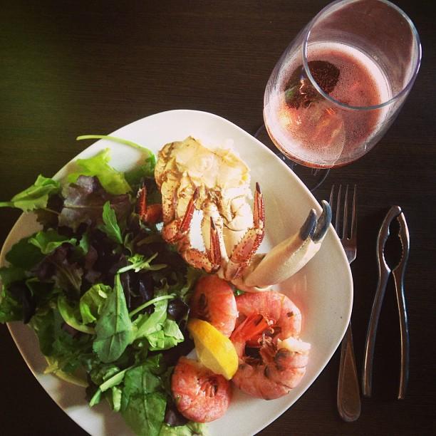 Crab & shrimp lunch wBarone Pizzini Franciacorta rosé. #Italy #pranzo #granchio June 16, 2013 at 0505PM